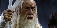 Επιστρέφει ο McKellen στο ρόλο του Gandalf.