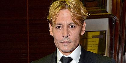 Για ποια ταινία έβαψε ξανθά τα μαλλιά του ο Johnny Depp; Έχουμε την απάντηση...