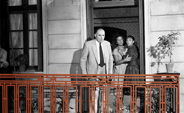Ψάχνοντας το (πραγματικό) μπαλκόνι της Θείας Από Το Σικάγο