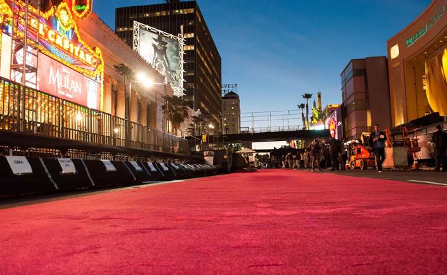 Oscars: Όλα τα μυστικά πίσω από τη λάμψη του Κόκκινου Χαλιού των Oscar