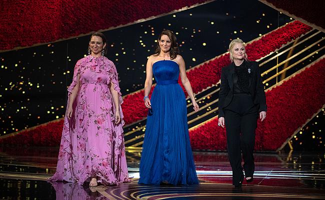 Oscars: Η στιγμή που η Tina Fey, η Maya Rudolph και η Amy Poehler έκλεψαν την παράσταση [video]